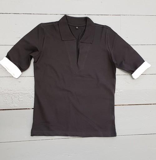 Contrast open collar top